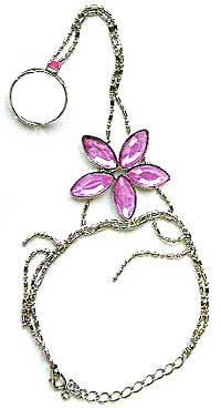 Costume Jewelry: OEM Flower Slave Bracelet Handflowers With Ring (size 79Kb)